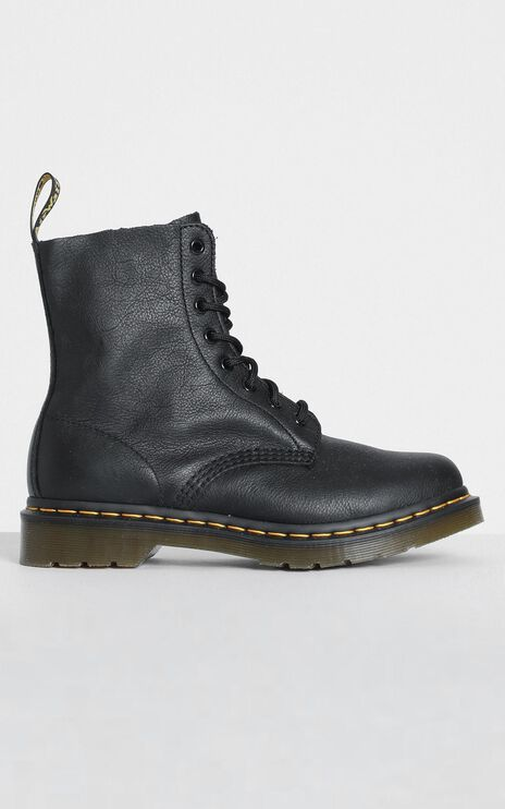 Dr. Martens - Pascal Boot in Black Virginia