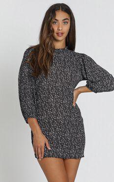 Verona Dress in black polka