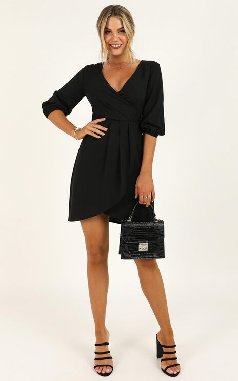 Talking Back Dress In Black