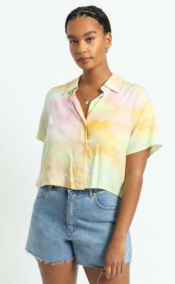 Astra Stars Shirt in Yellow Tie Dye