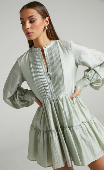 Kyra Pin Tuck Detail Tiered Shift Dress in Sage
