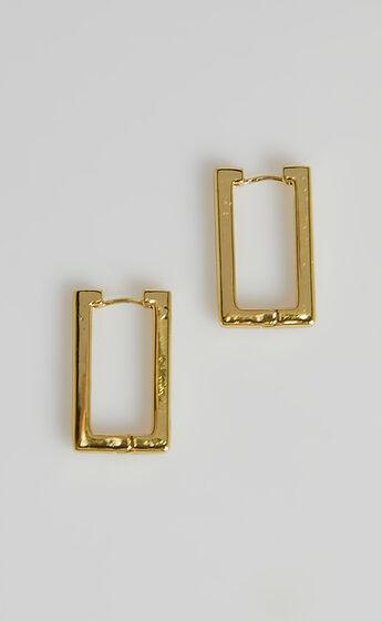 Twylah Earrings in Gold
