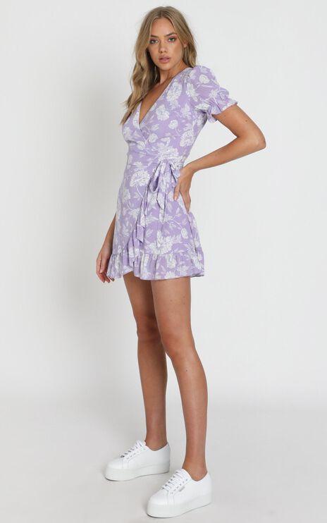 Seaside Views Dress In Lilac Floral