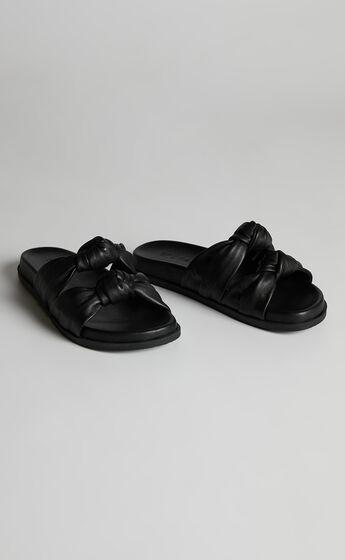 Sol Sana - Memphis Slides in Black