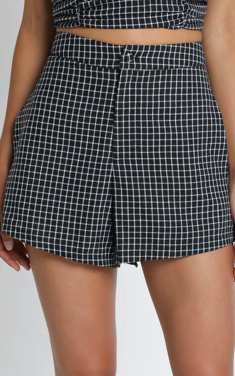 Abelia Shorts in Black Check