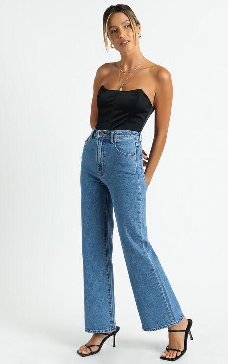 Rollas - Eastcoast Crop Flare Jean in Cindy Blue
