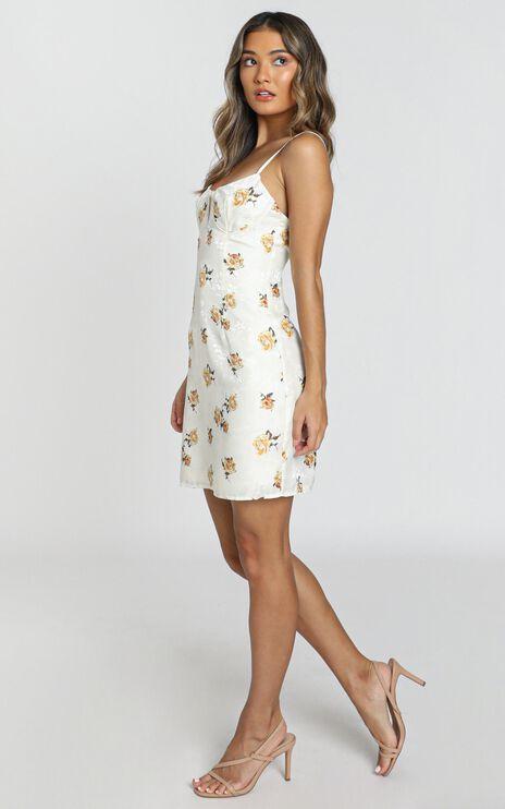 Geranium Dress in White Floral