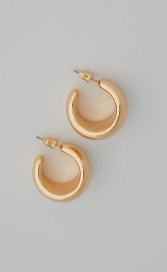 Thia Earrings in Gold