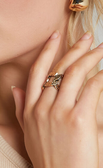 Britty Ring in Gold