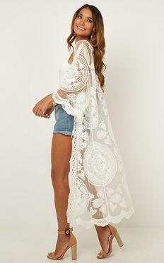Off The Grid Kimono In White