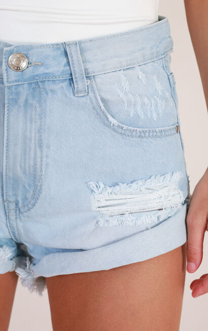 Want Your Love denim shorts in light wash - 4 (XXS), Blue, hi-res image number null