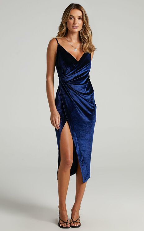 Loving Blind Dress in navy velvet