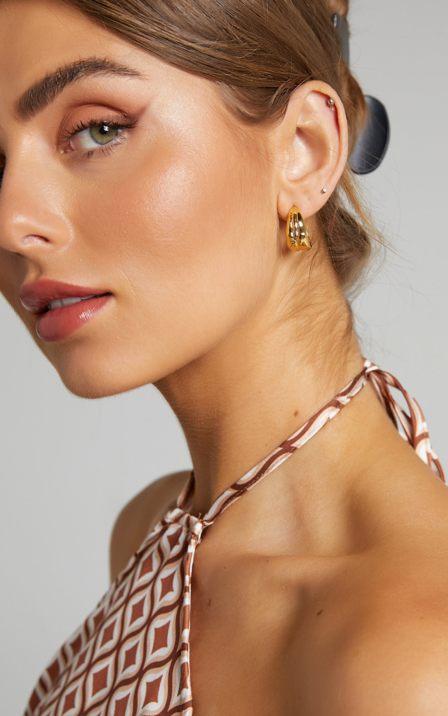 DAVIANA HOOP EARRINGS in Gold - NoSize, GLD1, super-hi-res image number null