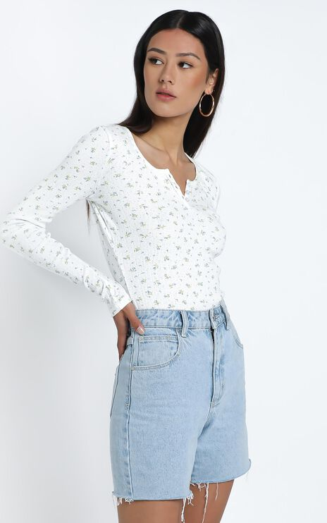 Bryony Top in White Floral