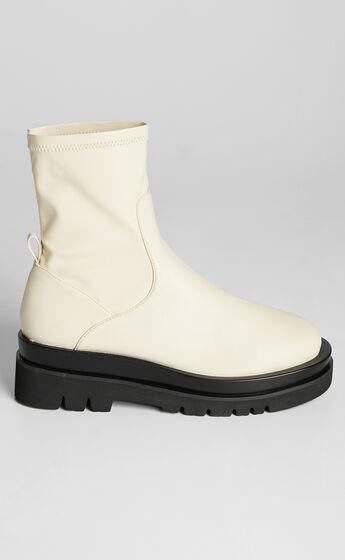 Billini - Wagner Boots in Buttercream