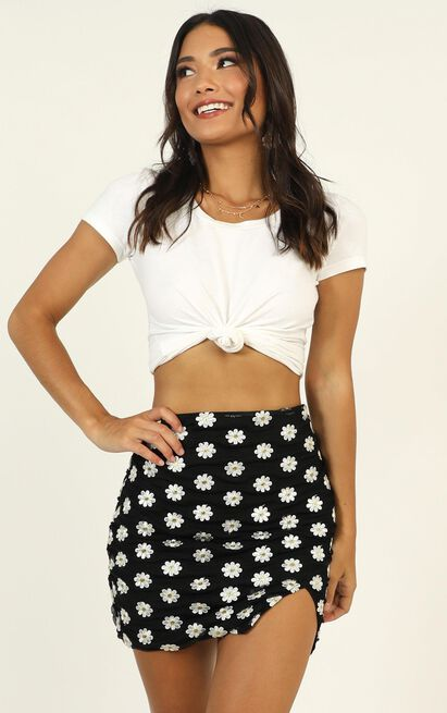 Reinvent Yourself skirt in black floral - 16 (XXL), Black, hi-res image number null