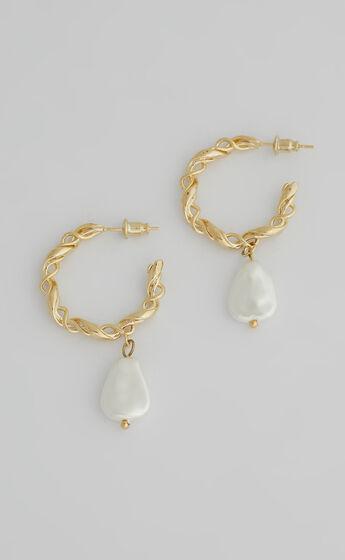 Coltana Hoop Earrings in Gold