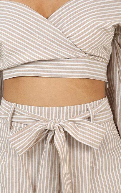 Talk This Way Shorts in Mocha Stripe - 12 (L), Mocha, hi-res image number null