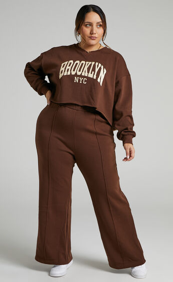 Sunday Society Club - Kenley Bootleg Sweat Pants in Chocolate