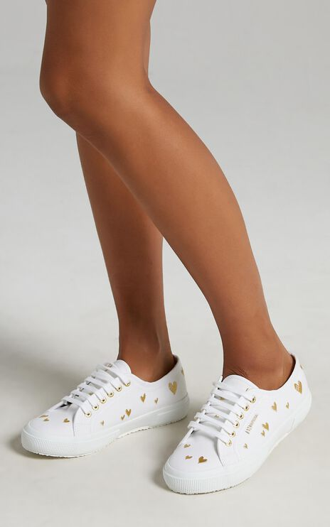 Superga - 2750 Hearts Embroidery Sneakers in A1Z White - Gold Hearts