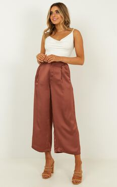 They Make A Scene Pants In Mocha Satin