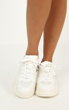 Verali - Mutha Sneakers In White