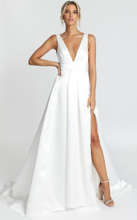 Eyes Of The Beholder Gown in White