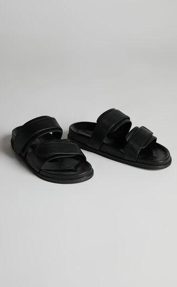 James Smith - Izano Slide in Black