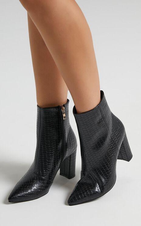 Billini - Whitney Boots in Black Gecko