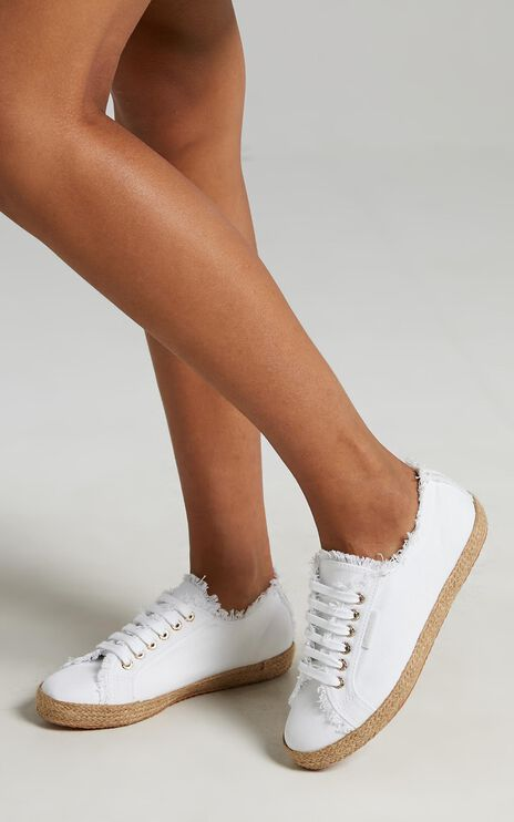Superga - 2750 Fringed Cotton Rope Sneakers in 901 White