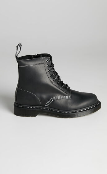 Dr. Martens - 1460 Pascal Zipped 8 Eye Boot in Black Streeter
