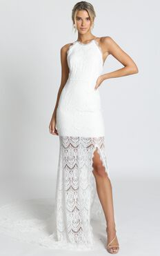 Fall In Deep Gown In Ivory Lace