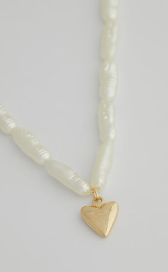 Maeve Necklace in Gold
