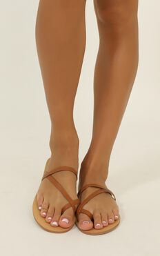 Billini - Chloe Slides In Tan