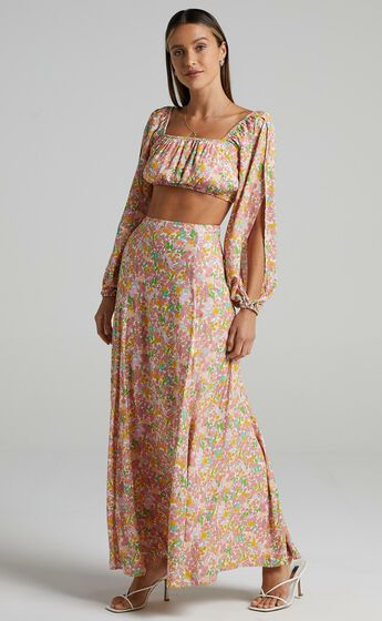 India Two Piece Set in Flower Field