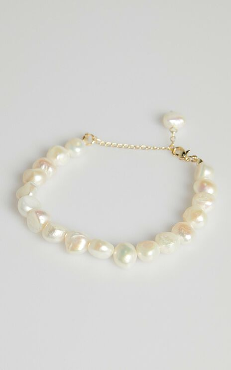 The Luckiest Bracelet in Pearl