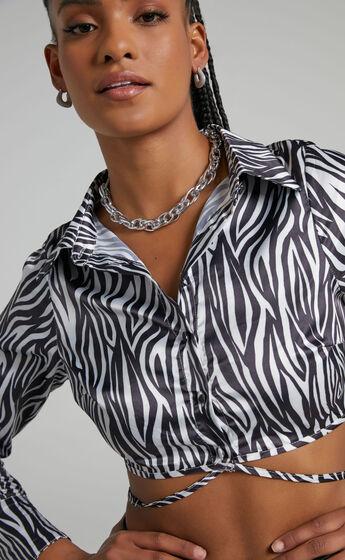 Kittie Necklace in Silver