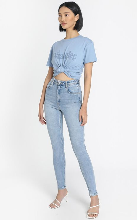 Wrangler - Hi Pins Jean in Choir Girl Blue