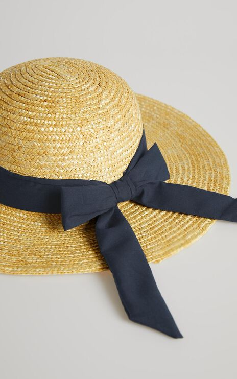 Sail Away hat in navy and natural