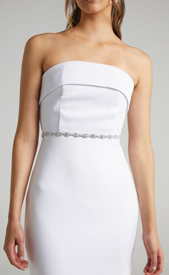 Day Dreaming Belt in Diamante and White