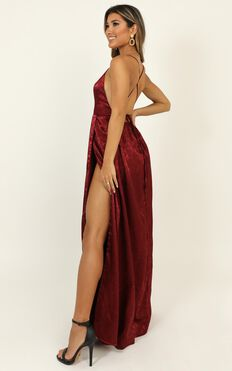 For Keeps Dress In Wine Jacquard
