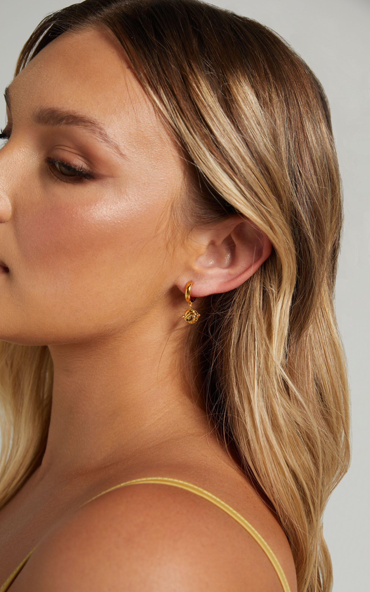 MEADOW DROP EARRINGS in Gold - NoSize, GLD1, super-hi-res image number null