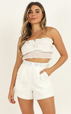 Give You All Of Me Shorts In White Linen Look