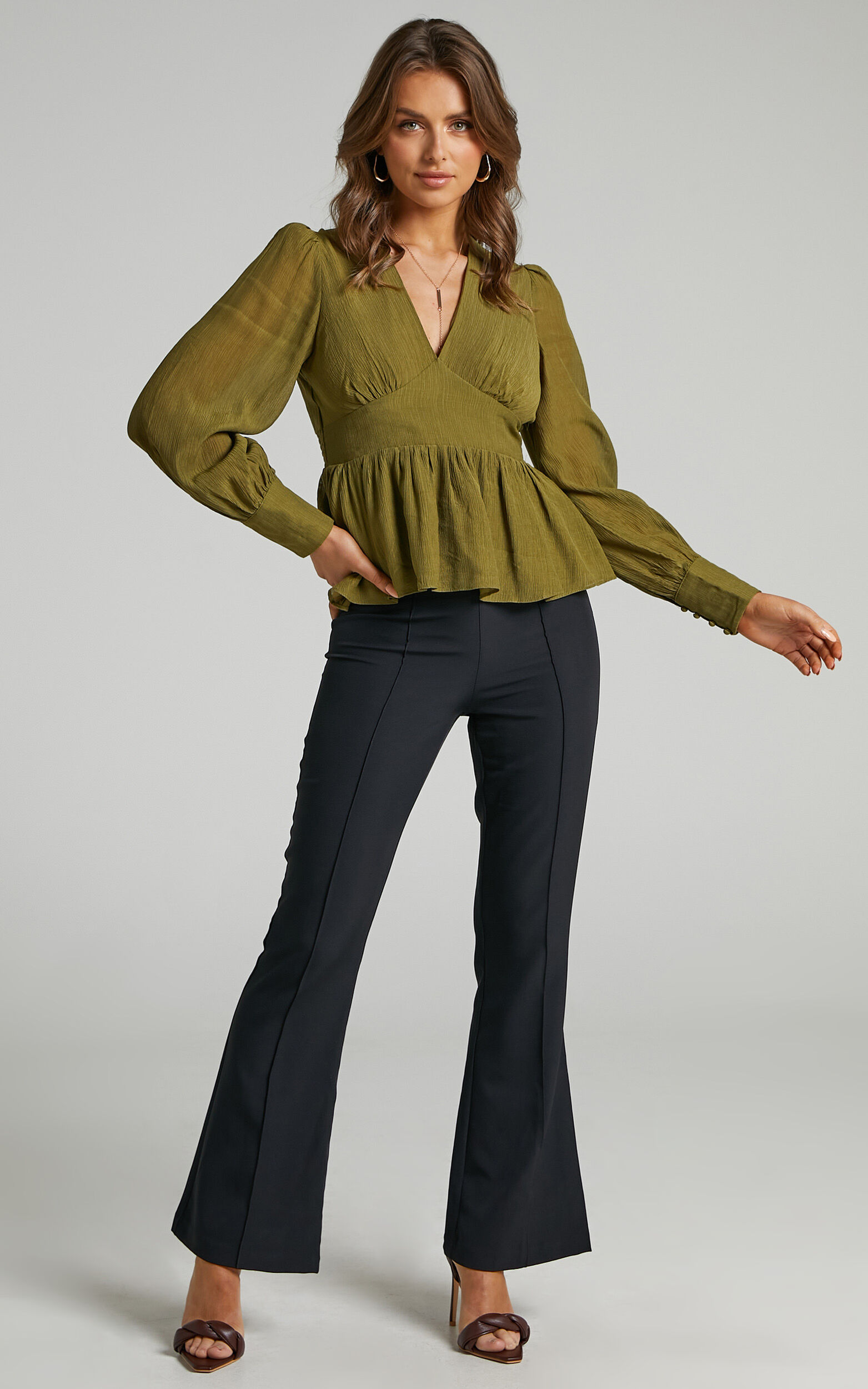 Shyla Balloon Sleeve Peplum Top in Green - 06, GRN1, super-hi-res image number null