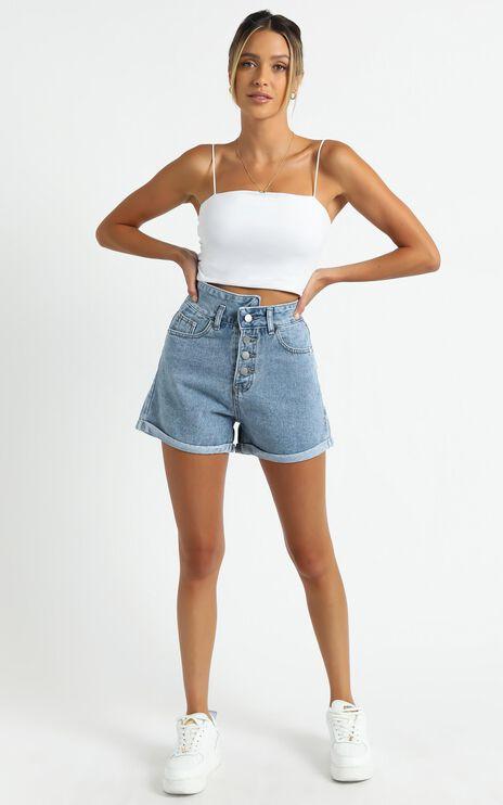 Foenix Shorts in Mid Wash