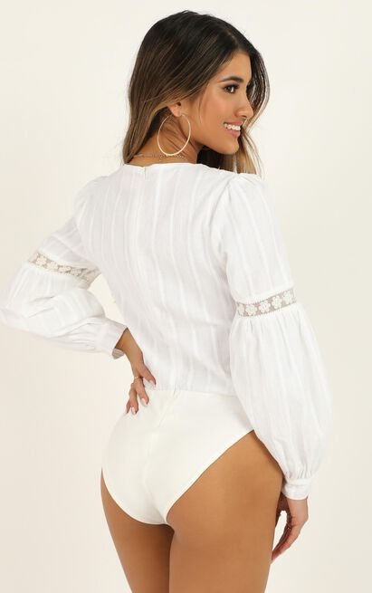Im Out Here Thinkin Bodysuit In white linen look - 12 (L), White, hi-res image number null