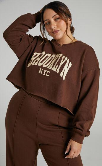 Sunday Society Club - Brooklyn NYC Crop Sweatshirt in Chocolate