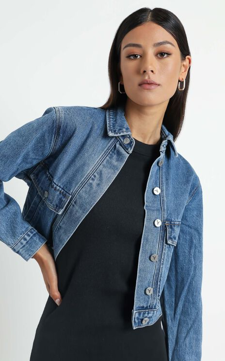 Abrand - A Millie Denim Jacket in Austin Blue