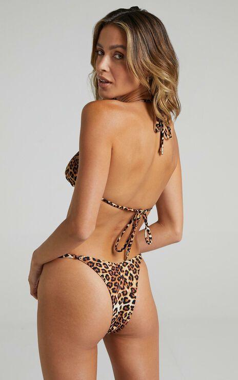 Twiin - Cindy Strappy Bikini Bottoms in Leopard