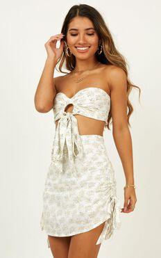 Dreams In Paris Skirt In White Floral